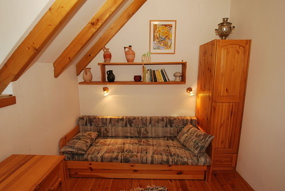 adelaparvu.com despre casa cu acoperis din stuf, casa in Ungaria, casa de vacanta, Foto Bungalow Net (27)