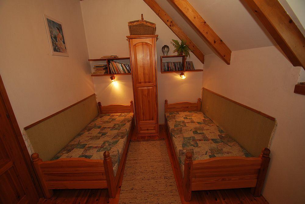 adelaparvu.com despre casa cu acoperis din stuf, casa in Ungaria, casa de vacanta, Foto Bungalow Net (30)