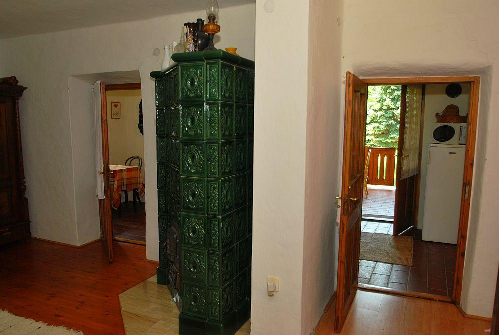 adelaparvu.com despre casa cu acoperis din stuf, casa in Ungaria, casa de vacanta, Foto Bungalow Net (35)