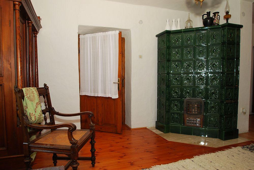 adelaparvu.com despre casa cu acoperis din stuf, casa in Ungaria, casa de vacanta, Foto Bungalow Net (36)