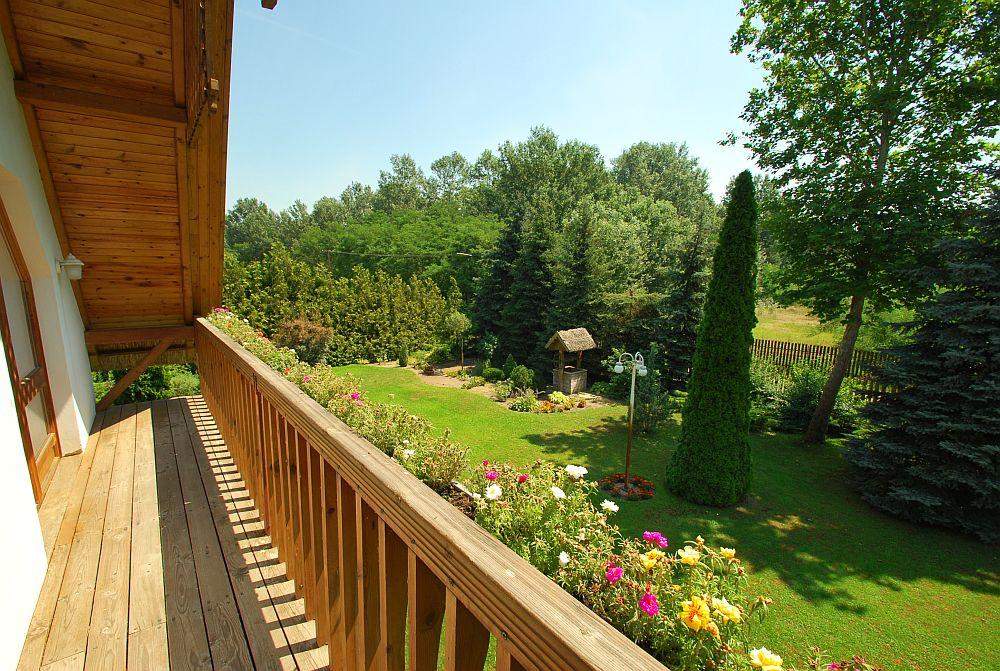 adelaparvu.com despre casa cu acoperis din stuf, casa in Ungaria, casa de vacanta, Foto Bungalow Net (37)