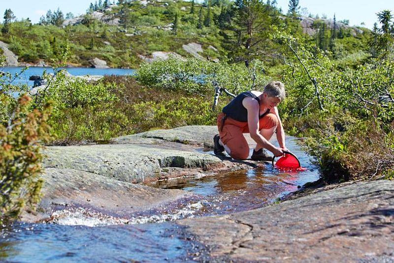 adelaparvu.com despre casa de lemn 15 mp, cabana mica, casa de vacanta Norvegia, Fyresdal, proprietar Gunhild Momrak (11)