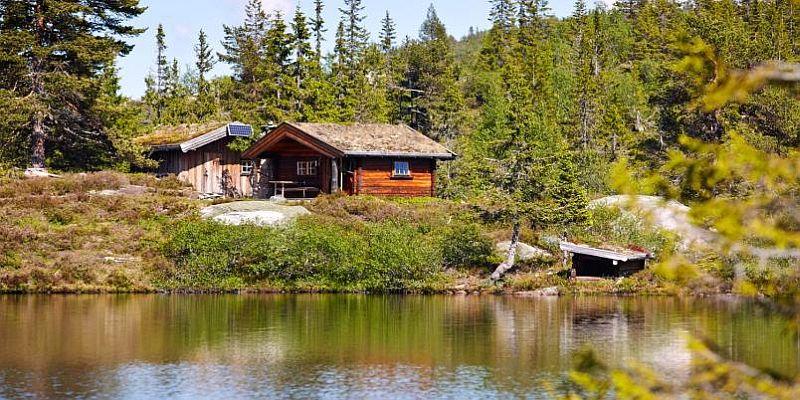 adelaparvu.com despre casa de lemn 15 mp, cabana mica, casa de vacanta Norvegia, Fyresdal, proprietar Gunhild Momrak (13)