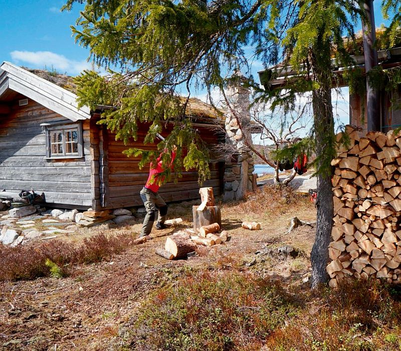 adelaparvu.com despre casa de lemn 15 mp, cabana mica, casa de vacanta Norvegia, Fyresdal, proprietar Gunhild Momrak (15)