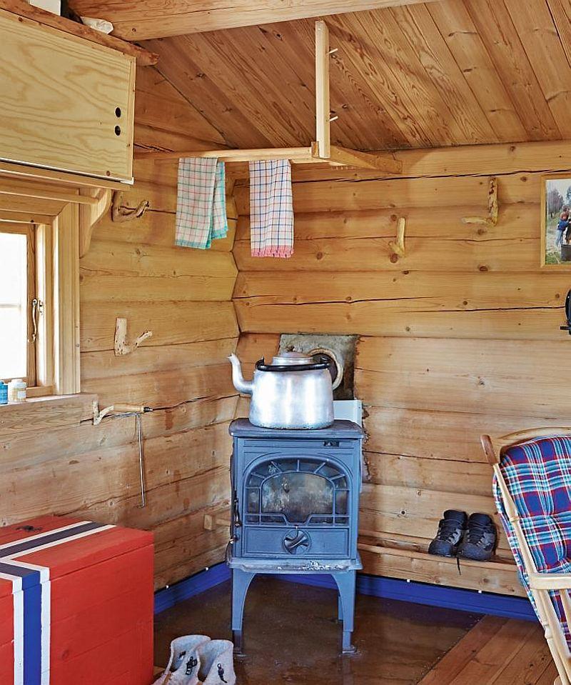 adelaparvu.com despre casa de lemn 15 mp, cabana mica, casa de vacanta Norvegia, Fyresdal, proprietar Gunhild Momrak (7)