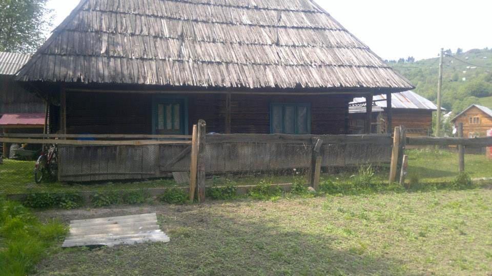 adelaparvu.com despre casa de lemn veche de vanzare (3)