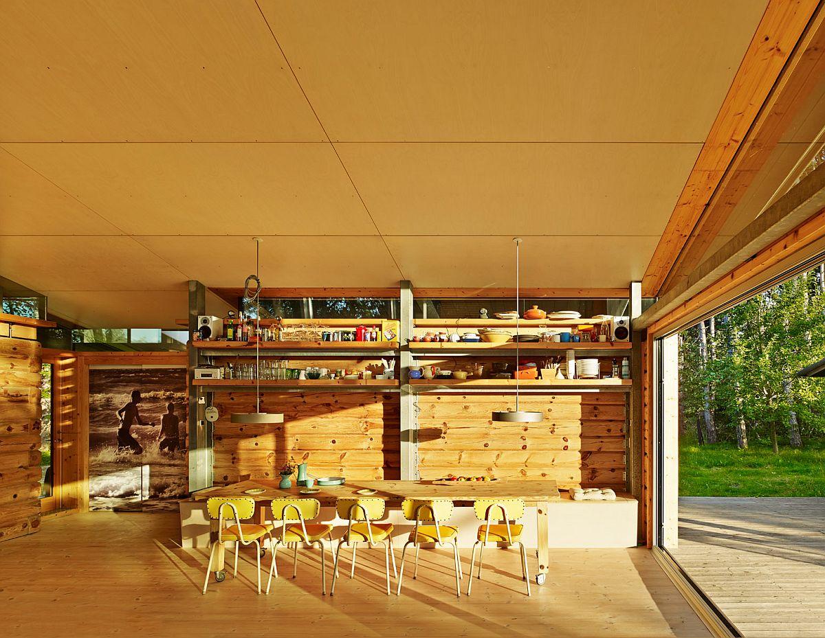 adelaparvu.com-despre-casa-de-vacanta-moderna-casa-daneza-casa-din-busteni-de-lemn-moderna-arhitect-Jesper-Brask-Tree-House, Foto James Silverman 2
