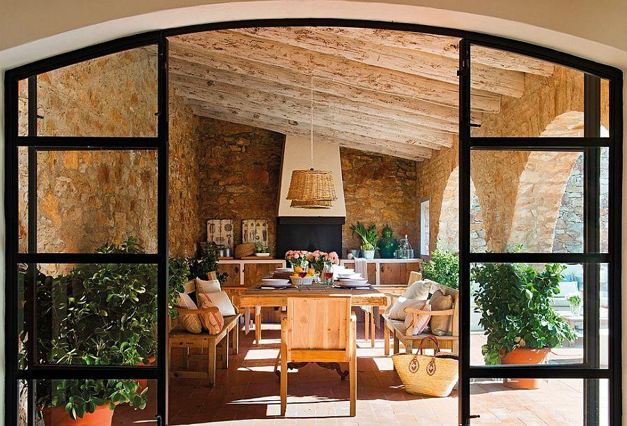 adelaparvu.com despre casa din piatra cu veranda si bucatarie de vara, casa Spania, Costa Brava, design Produccions de Disseny Bellera, Foto ElMueble (1)
