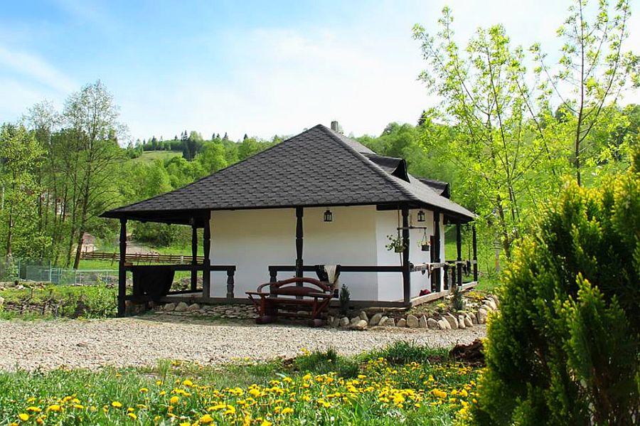 adelaparvu.com despre case traditionale romanesti, Casa Poveste, Campulung Moldovenesc, Romania, bedand breakfast Romania (21)