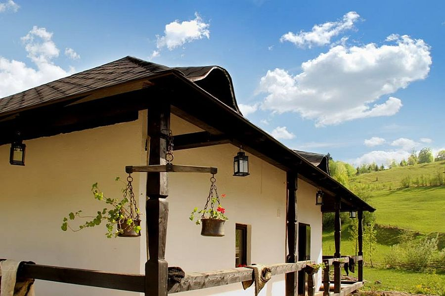adelaparvu.com despre case traditionale romanesti, Casa Poveste, Campulung Moldovenesc, Romania, bedand breakfast Romania (9)