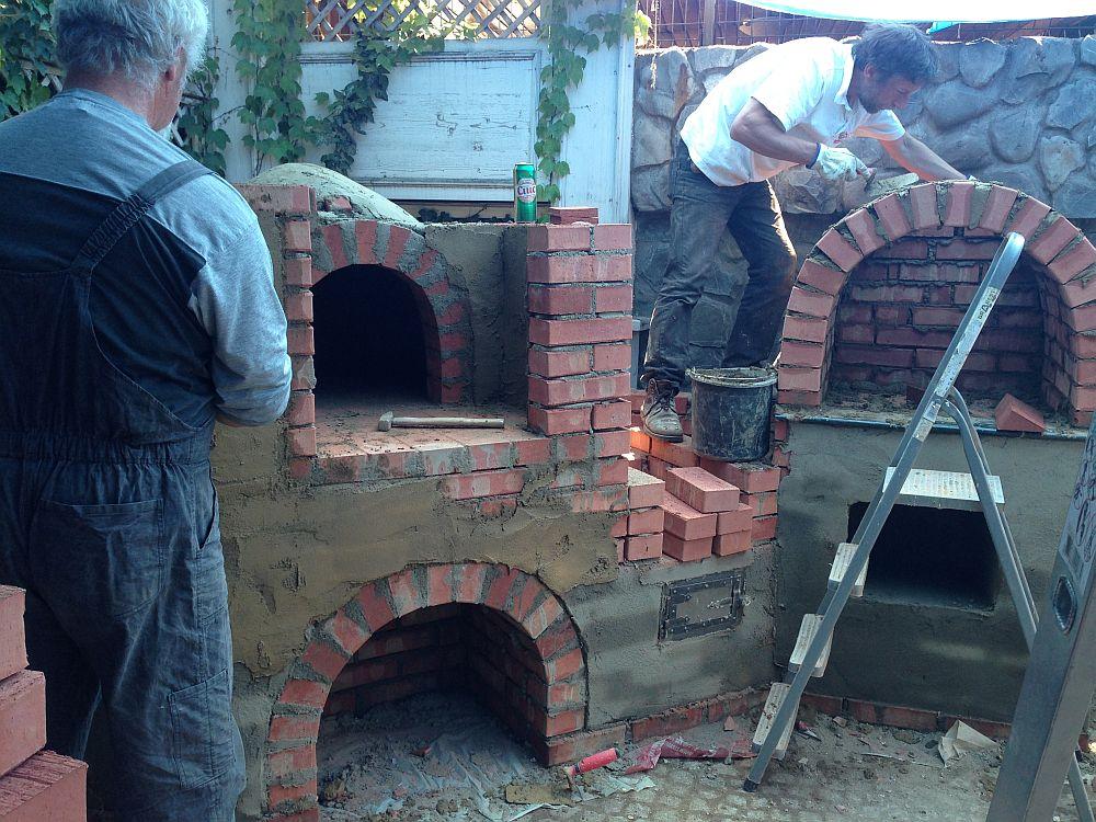 adelaparvu.com despre cuptor de paine in Bucuresti,  mester Attila Kolozsi (3)