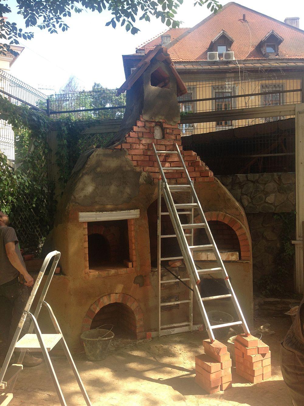 adelaparvu.com despre cuptor de paine in Bucuresti,  mester Attila Kolozsi (5)