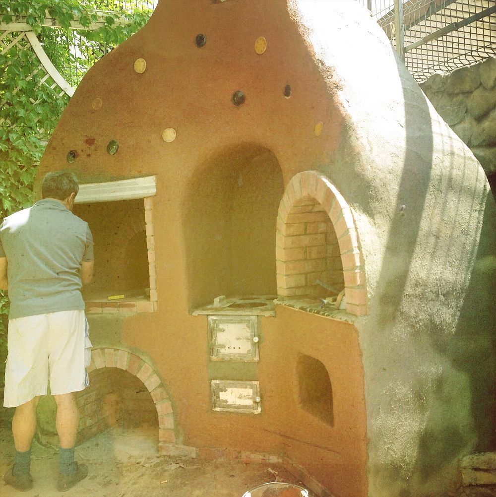 adelaparvu.com despre cuptor de paine in Bucuresti,  mester Attila Kolozsi (7)