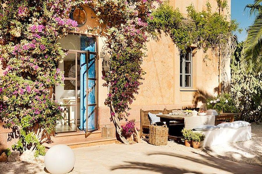 adelaparvu.com despre fosta gara transformata in casa de vacanta, Villa Station, Ses Salines, Spania, designer Catalina Socias (1)