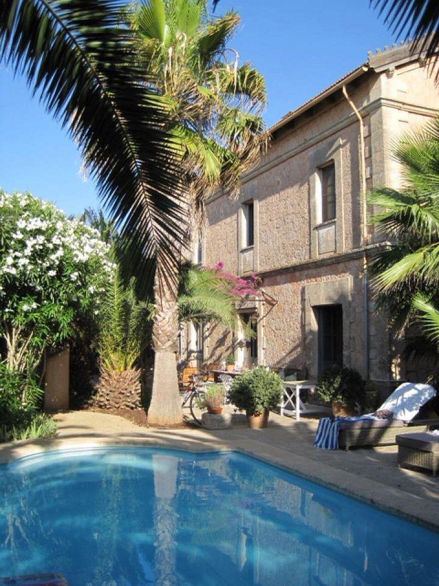 adelaparvu.com despre fosta gara transformata in casa de vacanta, Villa Station, Ses Salines, Spania, designer Catalina Socias (3)