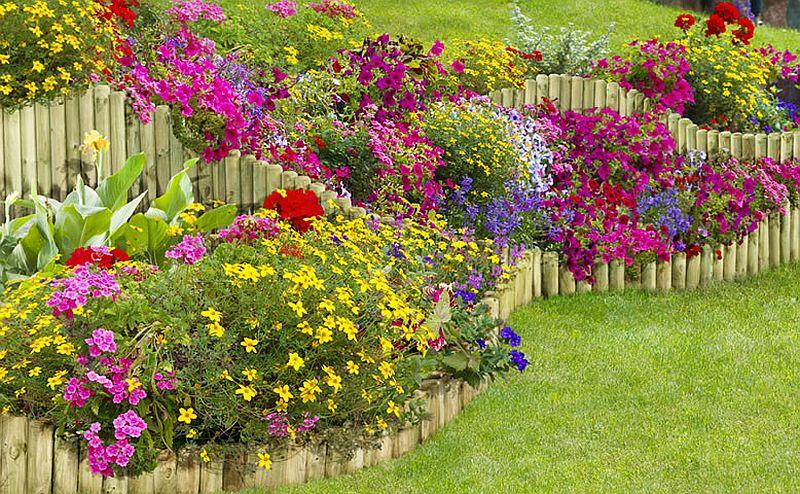 adelaparvu.com despre idei cu garduri, borduri pentru gradina de flori (1)