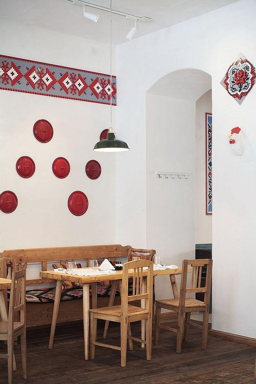 adelaparvu.com despre idei decorative in stil traditional romanesc, Lacrimi si Sfinti, arh Cristian Corvin (1)