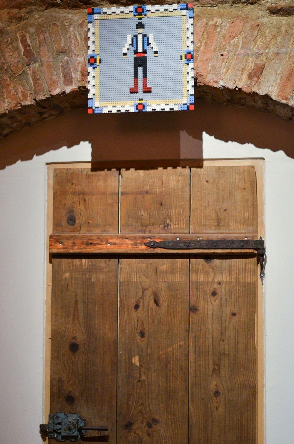 adelaparvu.com despre idei decorative in stil traditional romanesc, Lacrimi si Sfinti, arh Cristian Corvin (10)