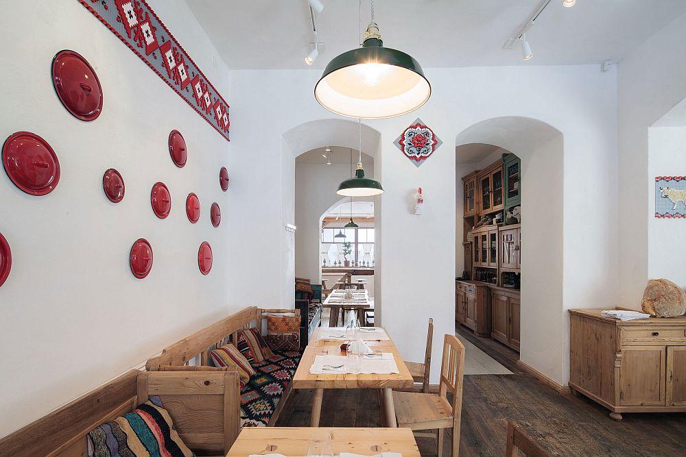 adelaparvu.com despre idei decorative in stil traditional romanesc, interior restaurant Lacrimi si Sfinti, arh Cristian Corvin (21)