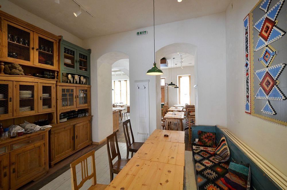 adelaparvu.com despre idei decorative in stil traditional romanesc, interior restaurant Lacrimi si Sfinti, arh Cristian Corvin (22)