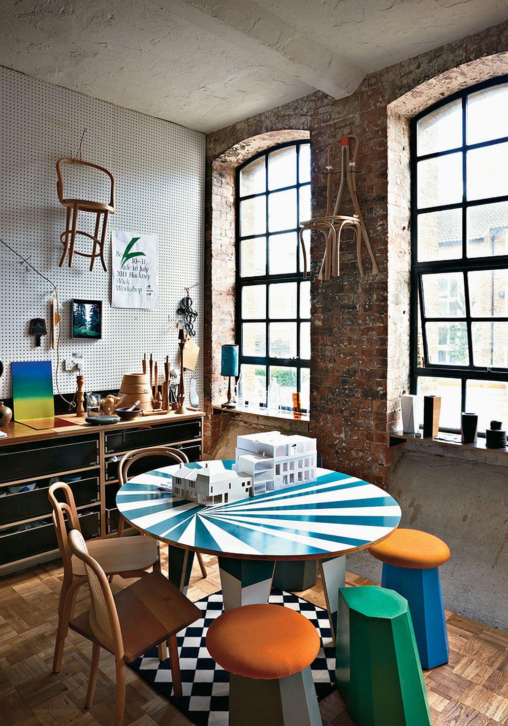 adelaparvu.com despre locuinta de artisti, apartament Londra, designeri Martino Gamper si Francis Upritchard, Foto Tom Mannion (12)