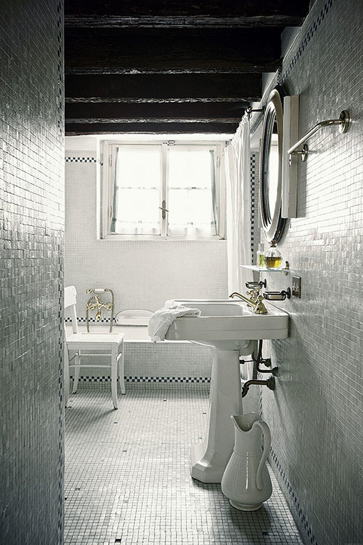 adelaparvu.com despre palat italian Gaetano Besana, interior clasic si rustic, casa in Italia, Foto Davide Lovatti (13)