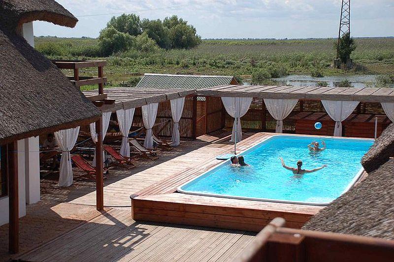 adelaparvu.com despre pensiune in Delta Dunarii, Pensiunea Doi Capitani, satul Crisan (2)