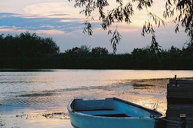adelaparvu.com despre pensiune in Delta Dunarii, Pensiunea Doi Capitani, satul Crisan (23)