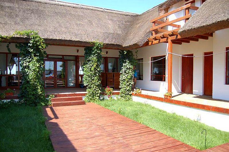 adelaparvu.com despre pensiune in Delta Dunarii, Pensiunea Doi Capitani, satul Crisan (4)
