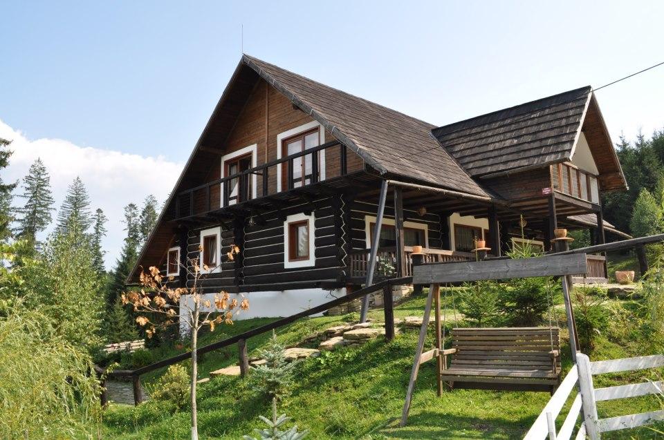 adelaparvu.com despre pensiunea Casa Bunicilor de la Manastirea Humorului, Suceava, Romania, rustic eco pension in Romania Casa Bunicilor (1)