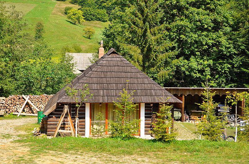 adelaparvu.com despre pensiunea Casa Bunicilor de la Manastirea Humorului, Suceava, Romania, rustic eco pension in Romania Casa Bunicilor (16)