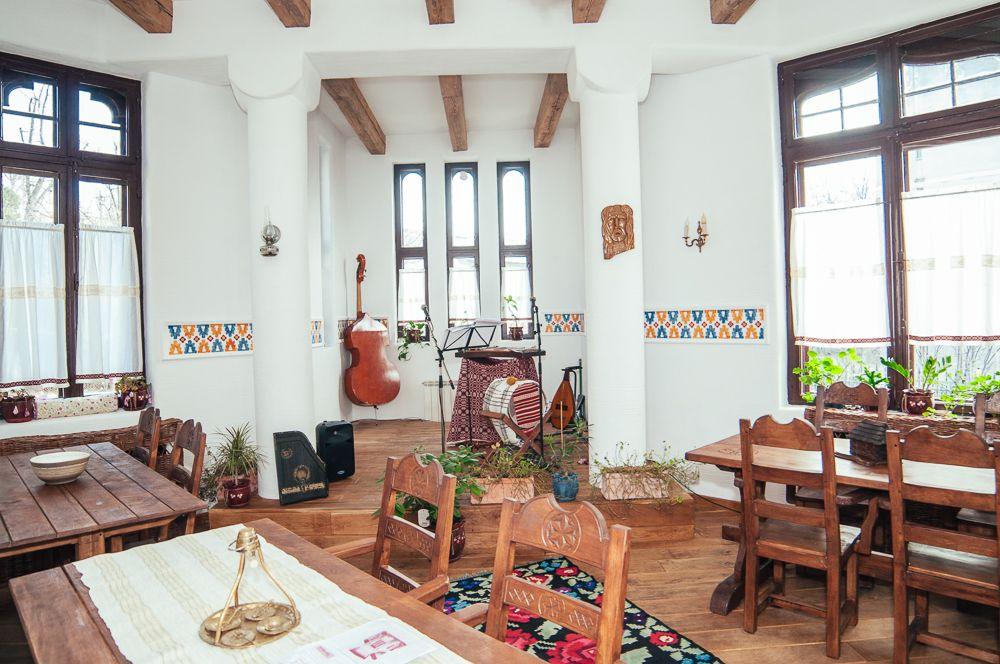 adelaparvu.com despre restaurant tranditional romanesc La Conac, Iasi, Romania (2)