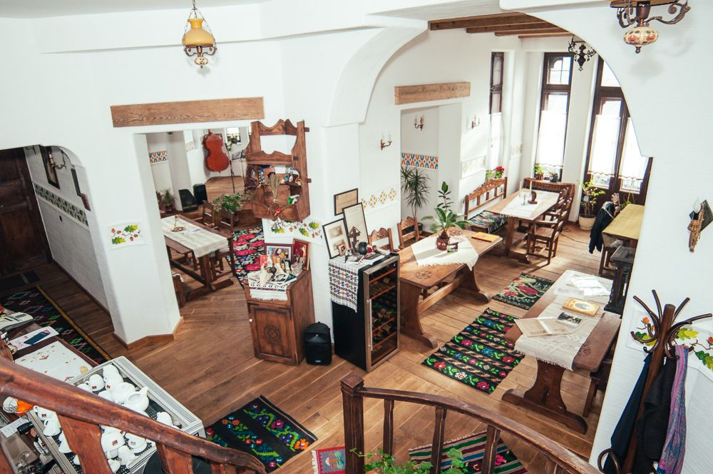 adelaparvu.com despre restaurant tranditional romanesc La Conac, Iasi, Romania (5)