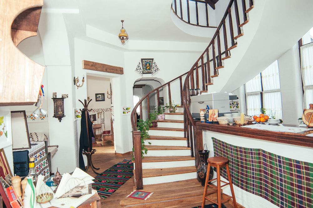 adelaparvu.com despre restaurant tranditional romanesc La Conac, Iasi, Romania (6)