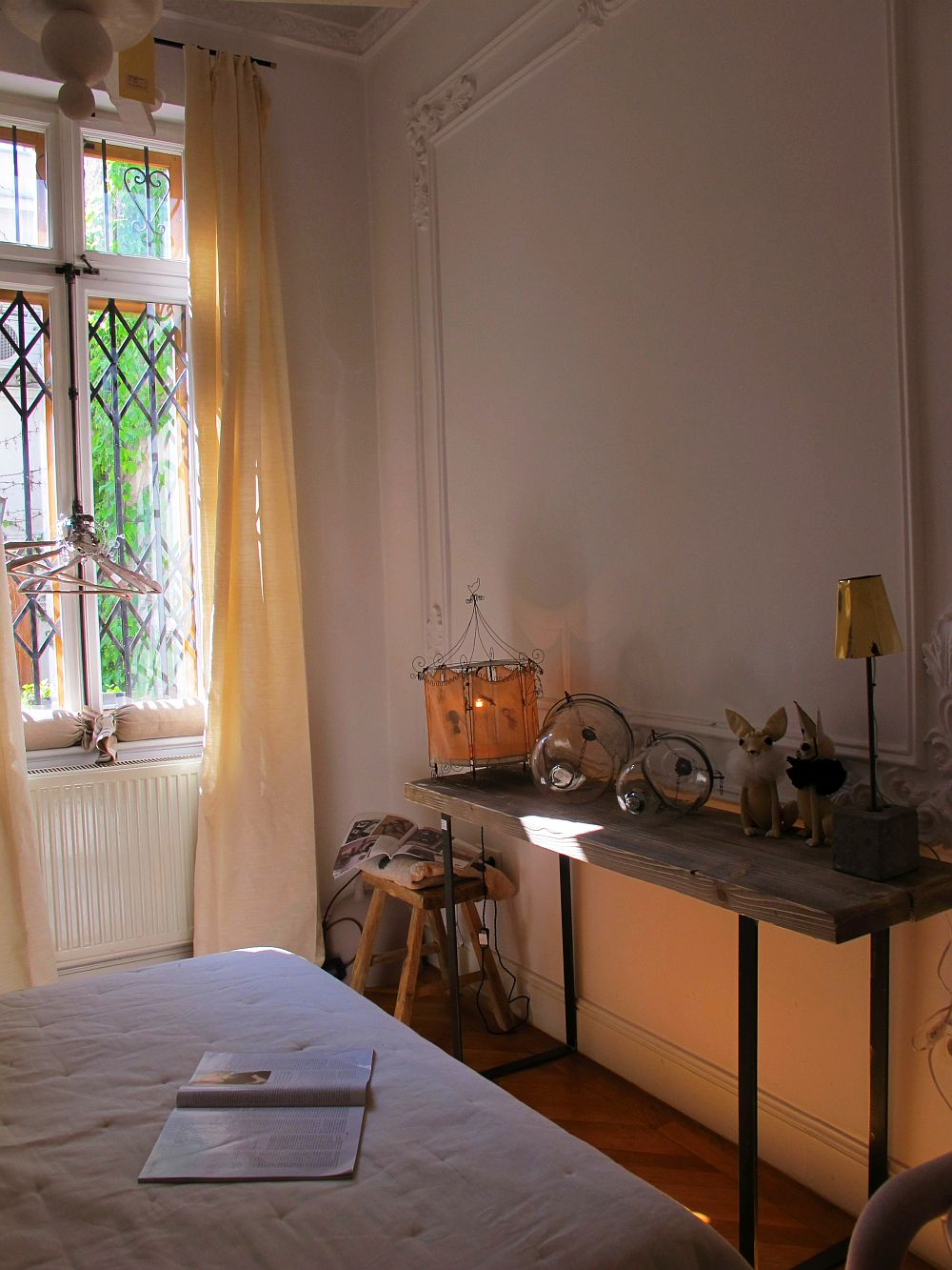 adelaparvu.com despre showroom Atelier Anda Roman Bucuresti, casa veche, interior eclectic (3)