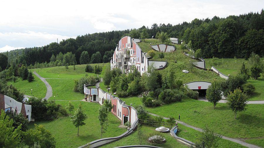 adelaparvu.com despre statiunea Rogner Bad Blumau, Austria, arhitect Friedensreich Hundertwasser (1)