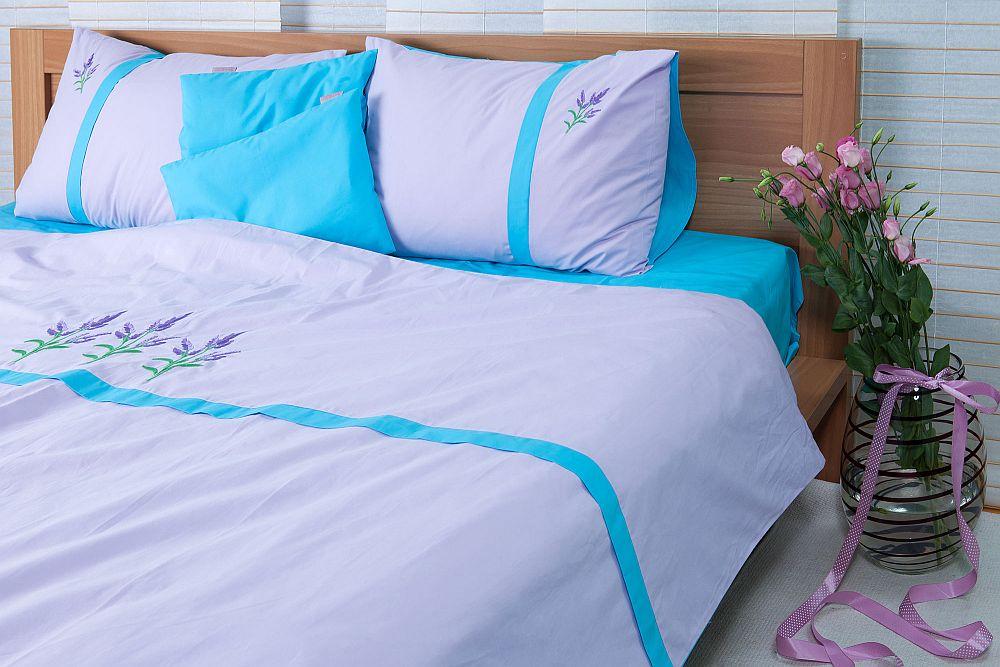 adelaparvu.com despre Daniela Mandu, atelier decoratiuni textile si lenjerii de pat Cusut cu ata roz (17)