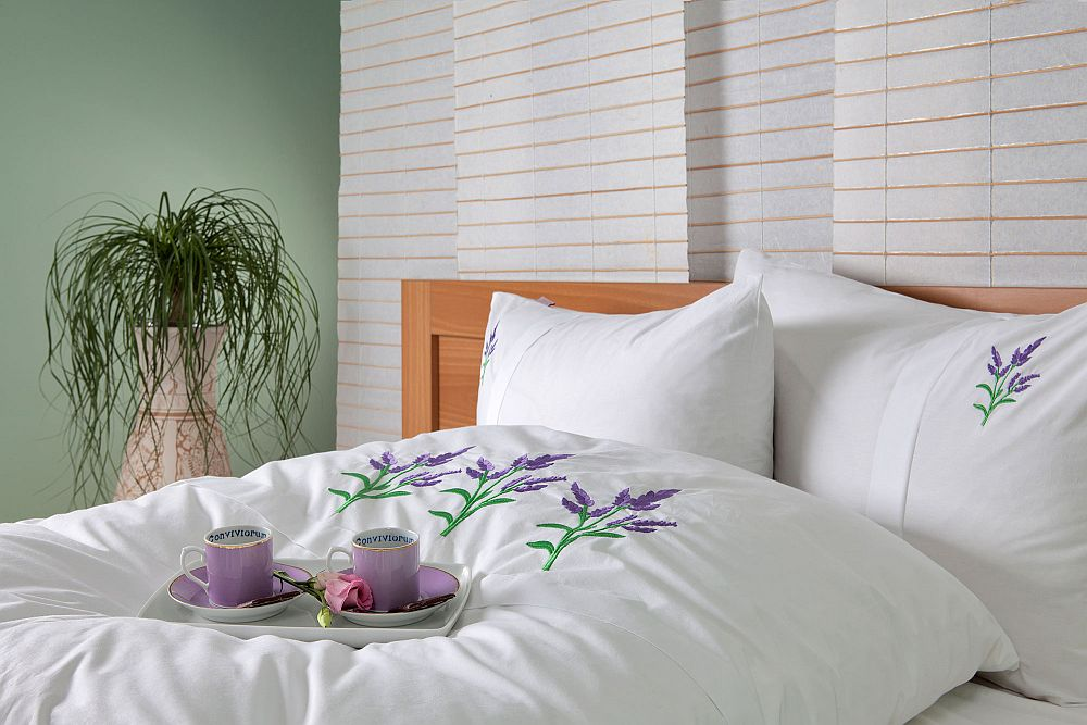 adelaparvu.com despre Daniela Mandu, atelier decoratiuni textile si lenjerii de pat Cusut cu ata roz (21)