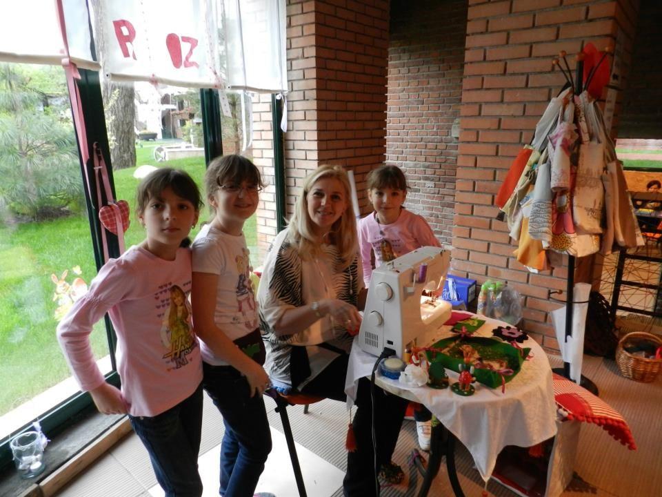 adelaparvu.com despre Daniela Mandu, atelier decoratiuni textile si lenjerii de pat Cusut cu ata roz (4)