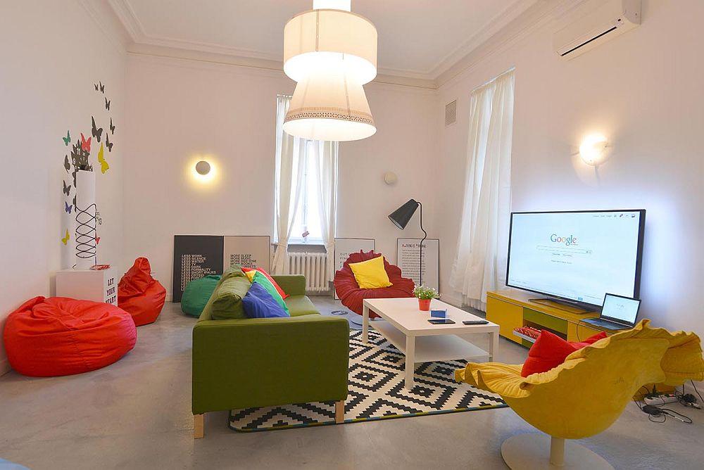 adelaparvu.com despre Google House Romania, design interior Dragos Solot, tablouri Deco Box Liliana Stoica, organizator FCB Bucharest (1)