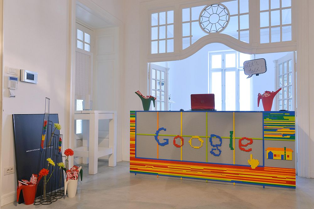 adelaparvu.com despre Google House Romania, design interior Dragos Solot, tablouri Deco Box Liliana Stoica, organizator FCB Bucharest (14)