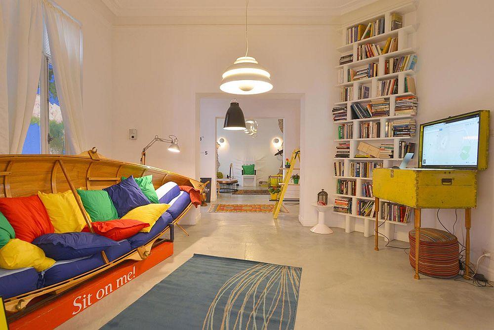 adelaparvu.com despre Google House Romania, design interior Dragos Solot, tablouri Deco Box Liliana Stoica, organizator FCB Bucharest (2)