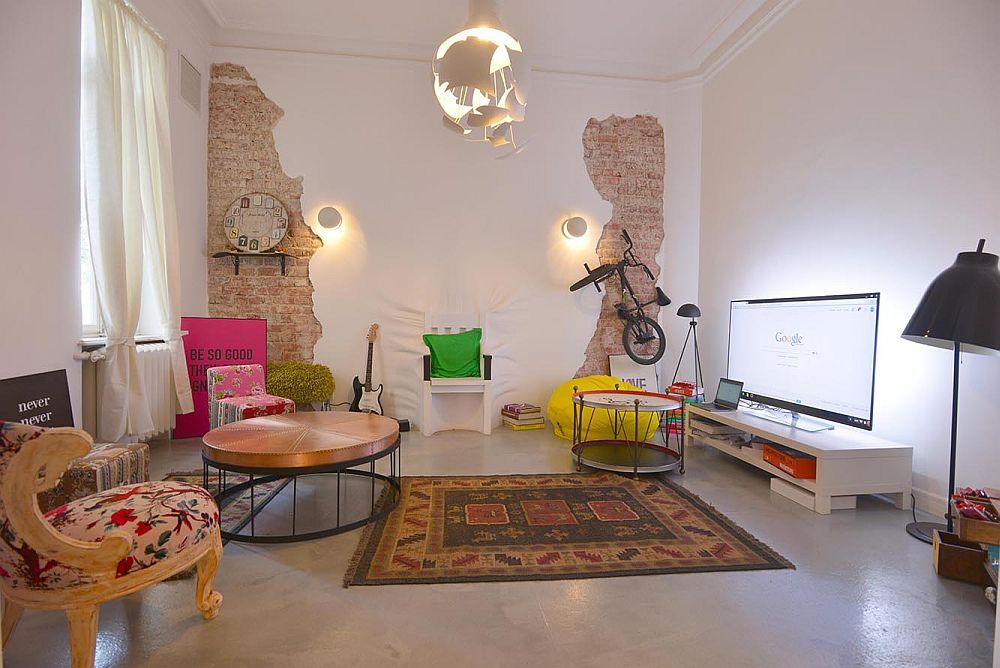 adelaparvu.com despre Google House Romania, design interior Dragos Solot, tablouri Deco Box Liliana Stoica, organizator FCB Bucharest (3)