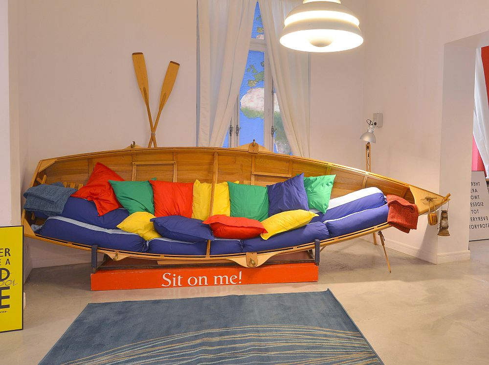 adelaparvu.com despre Google House Romania, design interior Dragos Solot, tablouri Deco Box Liliana Stoica, organizator FCB Bucharest (8)