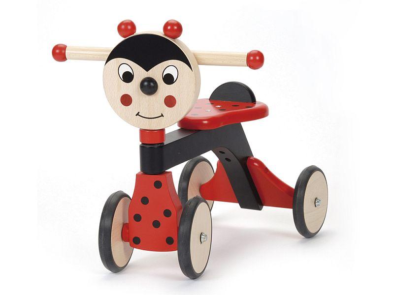 adelaparvu.com despre Marvelous Store, Romania, fabrica de jucarii si mobilier din lemn pentru copii, in foto Mergator buburuza
