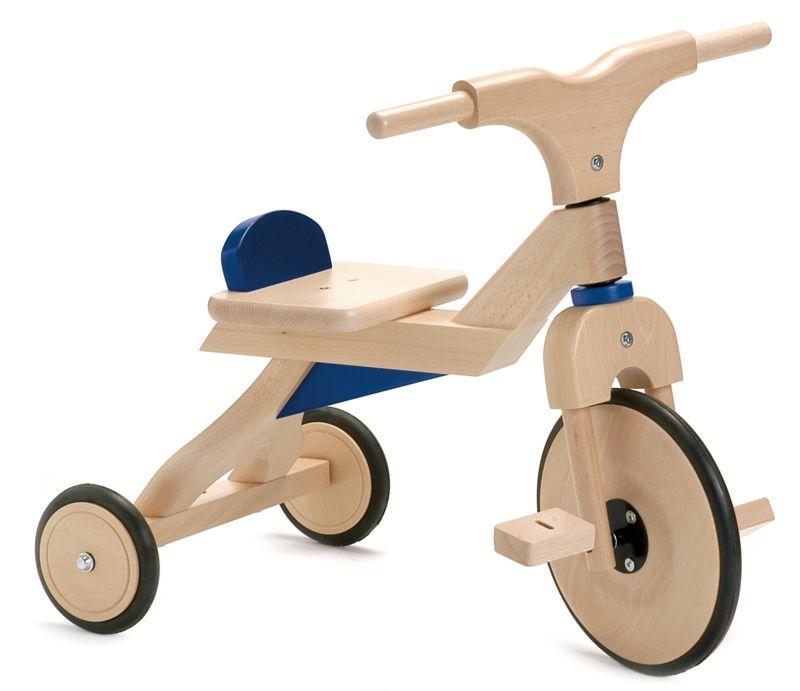 adelaparvu.com despre Marvelous Store, Romania, fabrica de jucarii si mobilier din lemn pentru copii tricicleta rs albastra