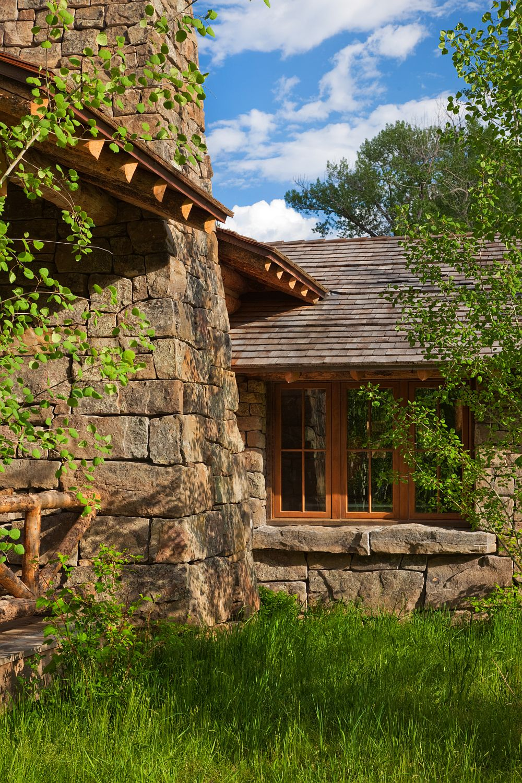 adelaparvu.com despre cabana din barne de lemn in Montana, design Miller Architects, casa lemn SUA, casa lemn Paradise Valley (10)