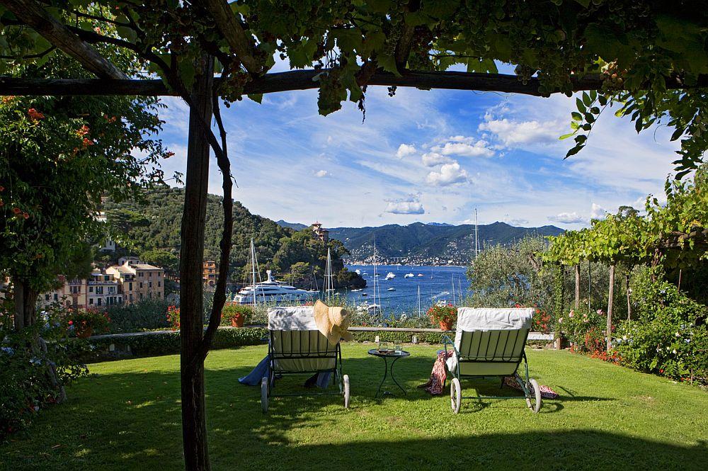 adelaparvu.com despre casa cu interior clasic si terasa cu viata de vie in Portofino, casa Italia, Foto Adriano Bacchella (5)