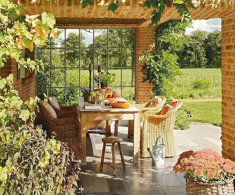 Culori naturale la interiorul unei case rustice cu terase for Case cu terase