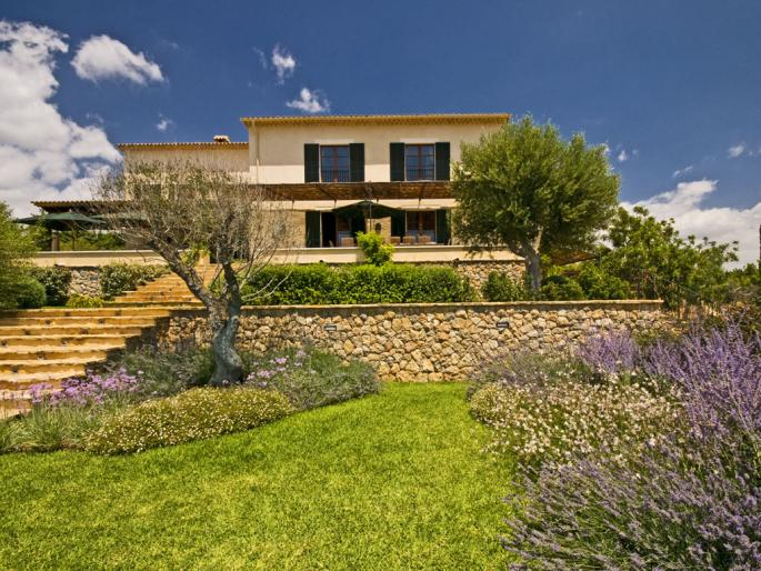 adelaparvu.com despre casa de vacanta a unei printese, casa  Bettina Wittgenstein, casa Spania, Mallorca, Foto Engel & Völkers (3)